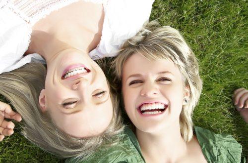6 dingen die jij en je vriendin vroeger deden